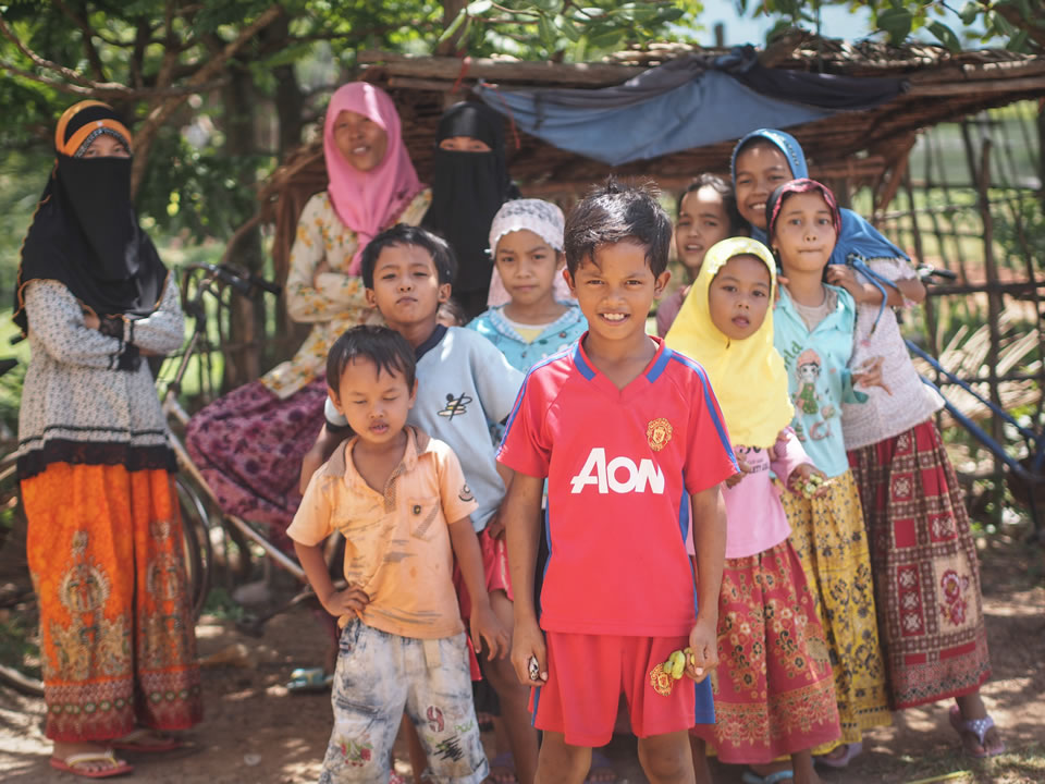 Sunni Islam is practiced by the ethnic group of Cham people, who can be found dotted around Kampot.