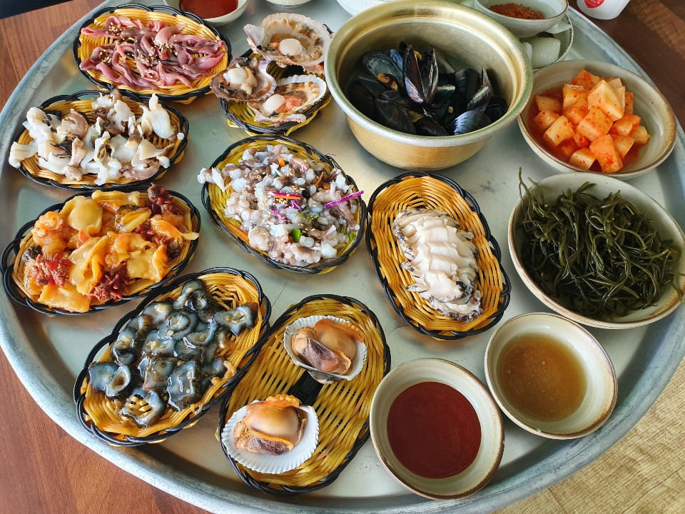 Eat Like a Local: Fresh Seafood Sets at Haenyeochon in Gijang